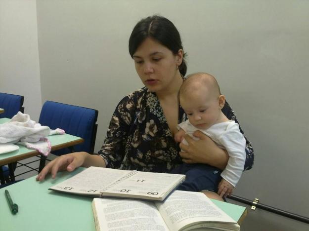 Minha ajudante na apresentação do grupo de pesquisa